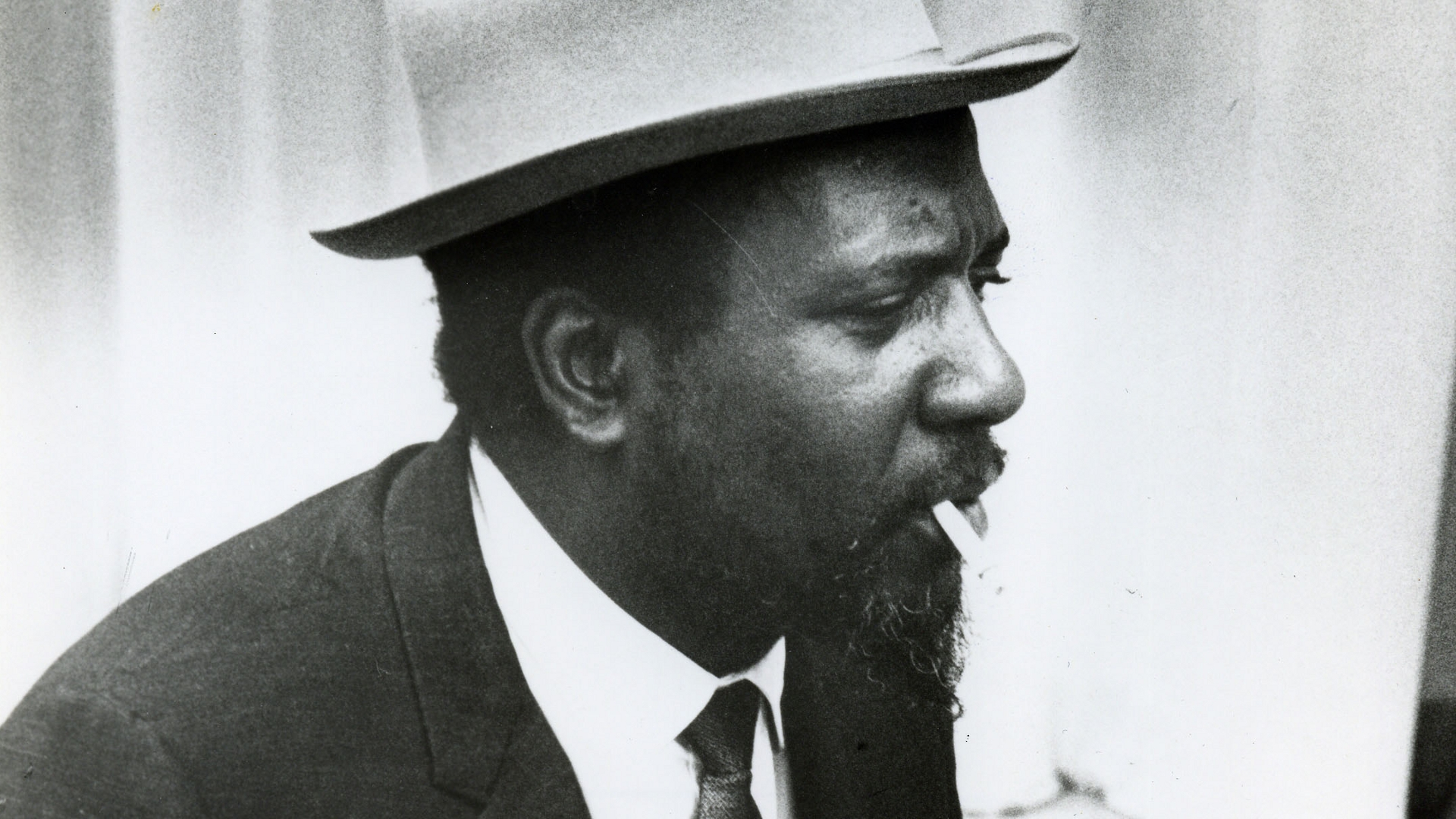 thelonious monk Geek obsession: thelonious monk why it's daunting: the brilliant but troubled bebop pioneer and jazz pianist-composer thelonious monk has never been easy to understand his body of work stretches from his first recordings as a leader for blue note records from 1947 to 1952 (originally issued on 78s and later collected on a pair of.
