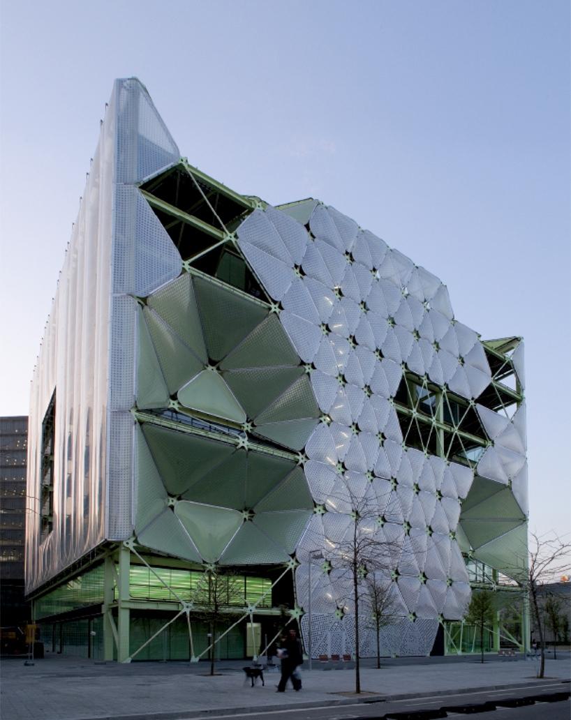 La Arquitectura De Las Almohadas De Aire Hyperbole