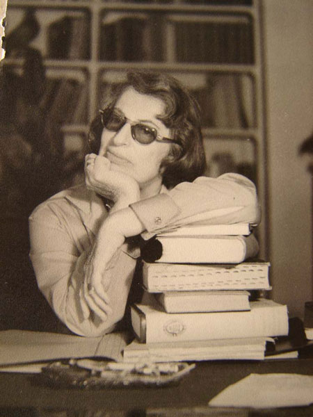 Silvina tomado por Bioy Casares en Posadas, en 1959