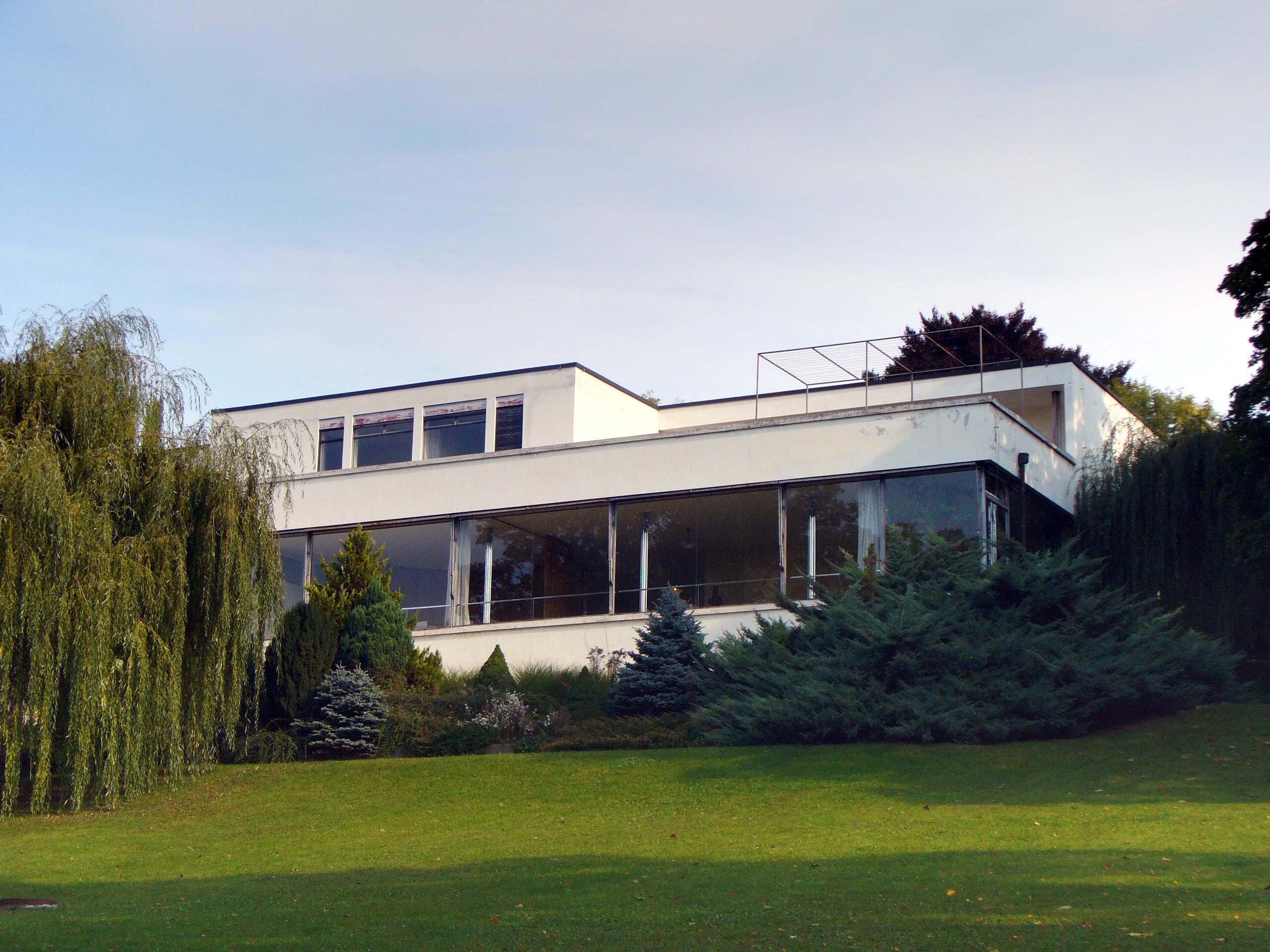 Mies van der rohe en brno casa tugendhat 1928 hyperbole for Casa minimalista de mies van der rohe