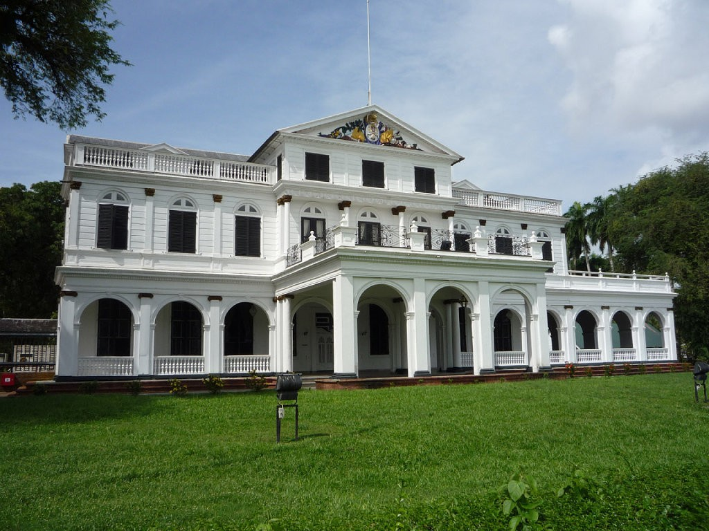 palacio-presidencial-de-paramaribo-de-suriman