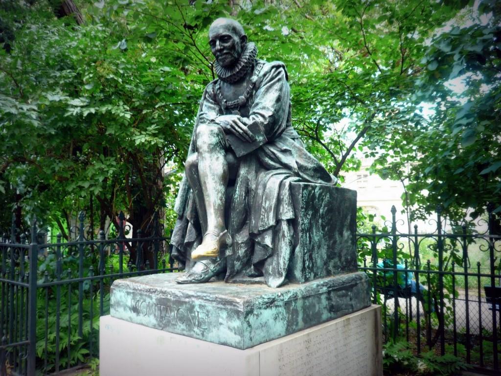 Estatua de Michel de Montaigne en La Sorbona.