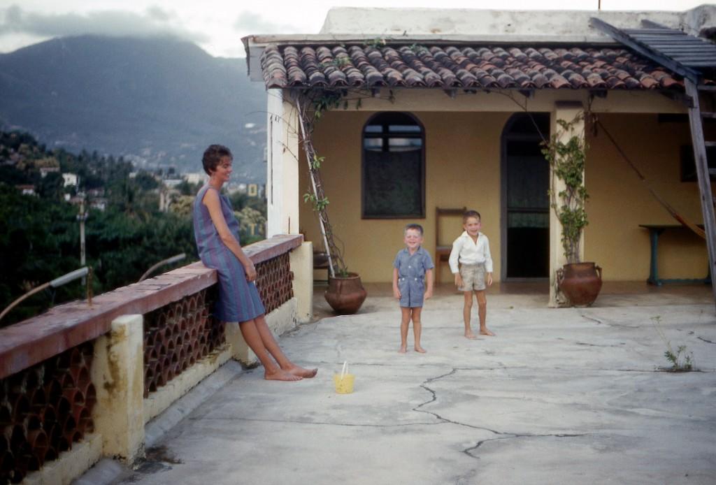 02_luciaberlin_1961_nov_acapulco