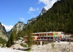 El lugar seguro: una introducción a los refugios de montaña alpinos