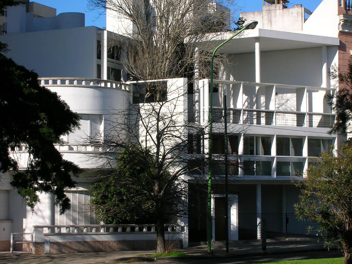 Le corbusier casa curutchet la plata 1949 hyperbole - Le corbusier casas ...